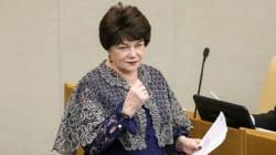 Política rusa pide a mujeres no acostarse con extranjeros durante el