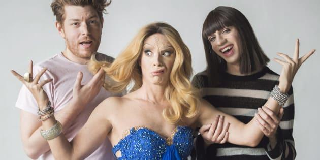 Thomas Leblanc et Tranna Wintour, posent avec Crystal Slippers, déguisée en Céline Dion.