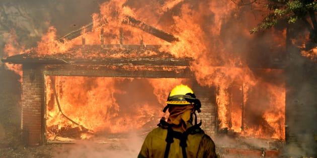 California, emergenza incendi: situazione drammatica