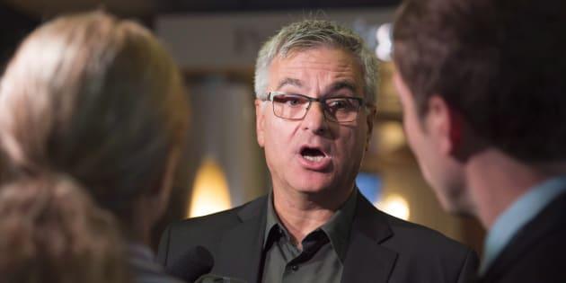 Jean-Marc Fournier avait évoqué la possibilité de ne pas se représenter, dans la foulée des allégations d'Yves Francoeur. Il dit être toujours en réflexion sur son avenir politique.