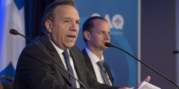 François Legault accompagné de son candidat dans Groulx, Éric Girard.
