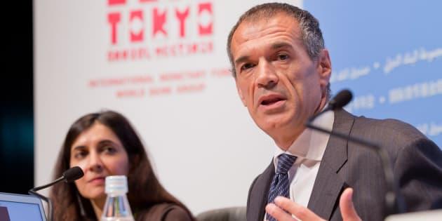 L'ancien cadre du FMI Carlo Cottarelli (ici en octobre 2012) a été chargé de former le nouveau gouvernement italien.