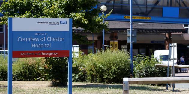 Une employée d'un hôpital soupçonnée d'avoir tué huit bébés — Grande-Bretagne