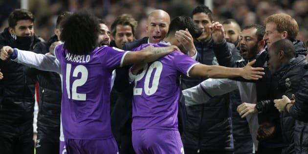 Zindane et ses joueurs du Real Madrid ce jeudi 12 janvier.