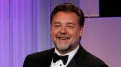 Slip, cuirasse, épée en bois... Ces enchères de Russell Crowe pour financer son divorce lui ont rapporté