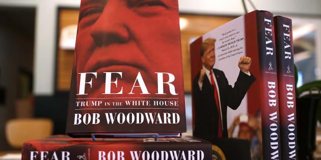 """Le livre de Bob Woodward sur Donald Trump, """"Fear"""", en vente dans une librairie de Californie le 11 septembre 2018."""