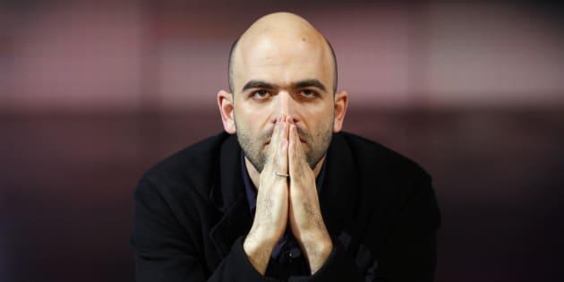 """Roberto Saviano attacca il Movimento 5 Stelle: """"Le consultazioni online sono una presa per il c..."""""""