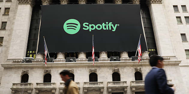 La bannière de Spotify sur la façade du New York Stock Exchange à New York le 3 avril 2018.