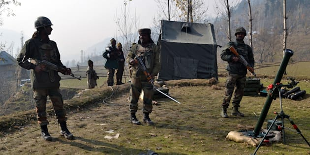 Indian army soldiers in Kupwara.
