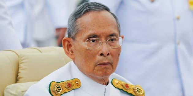 Le roi de Thaïlande Bhumibol Adulyadej à Bangkok en 2012