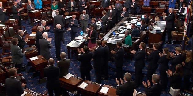 Obamacare: le Sénat américain vote (à une voix près) l'ouverture du débat sur l'abrogation du système de santé d'Obama