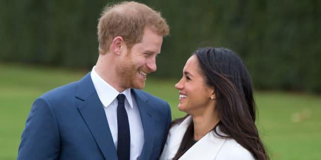 Megan Markle não chega à realeza britânica de mãos abanando.