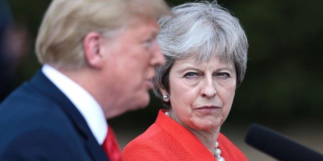 Donald Trump ofrece una conferencia de prensa en conjunto con Theresa May en Chequers, cerca de Aylesbury.