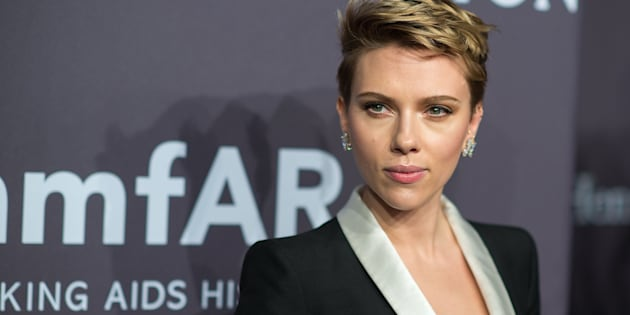 NEW YORK, NY - FEBRUARY 08:  Actress Scarlett Johansson attends the 19th Annual amfAR New York Gala at Cipriani Wall Street on February 8, 2017 in New York City.  (Photo by Michael Stewart/WireImage)
