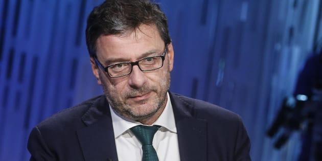 """Giancarlo Giorgetti sulla manovra: """"Sforare il 2% ma co"""