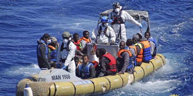 Migranti: Commisione Difesa, stop a corridoi autonomi di Ong