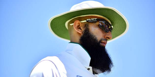 ADELAIDE, AUSTRALIA - OCTOBER 28: Hashim Amla of South Africa looks on during the Tour match between South Australia and South Africa at Gliderol Oval on October 28, 2016 in Adelaide, Australia.  (Photo by Daniel Kalisz/Getty Images)