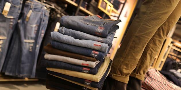 Jus d'orange, jeans, bateaux, cigares... La liste des produits américains taxés dès ce 22 juin par l'Europe.