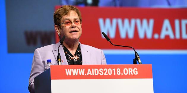 Elton John était invité à prendre la parole lors de la conférence sur le sida d'Amsterdam.