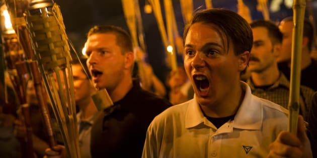 Grupo intitulado Alt-Right está, desde sexta-feira à noite, realizando um ato em Charlottesville, na Virgínia.