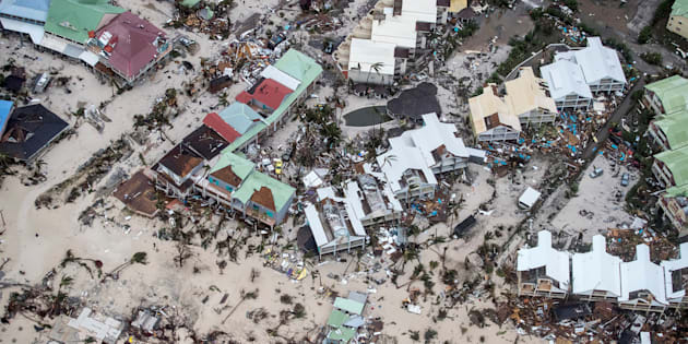 Lodo y destrucción en San Martín, en las Antillas Menores, causadas por el Irma.