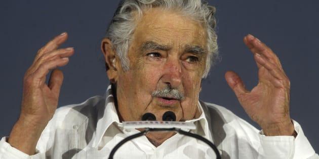 """Josè """"Pepe"""" Mujica rinunvia al seggio (e al vitali"""