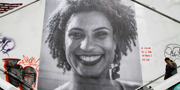 Justiça manda YouTube e Google retirarem do ar conteúdo difamatório sobre a vereadora Marielle Franco (PSol), morta em 14 de março.