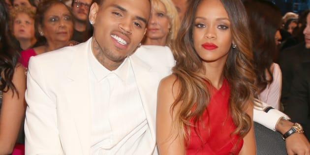 Los cantantes Chris Brown y Rihanna en la entrega de los premios GRAMMY 2013.