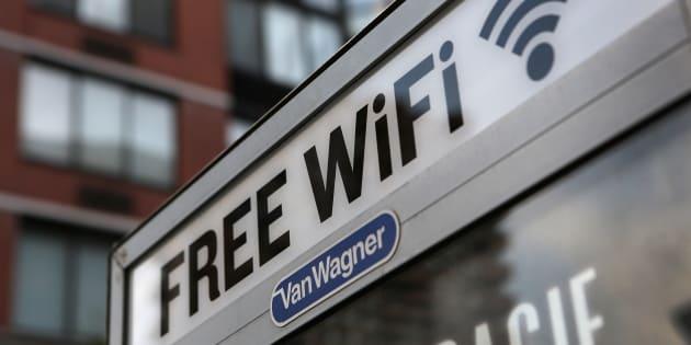 Un punto de acceso gratuito de wifi en Manhattan, Nueva York (EEUU), en una imagen de archivo.