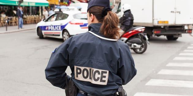 Préparation d'attentats en France: ce que l'on sait des deux personnes arrêtées avant Noël.