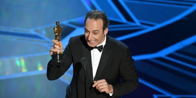 Alexandre Desplat remporte l'Oscar de la meilleure musique de film le 4 mars 2018.