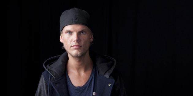 """Avicii: les détails glaçants révélés par """"TMZ"""" sur le suicide du DJ font polémique"""