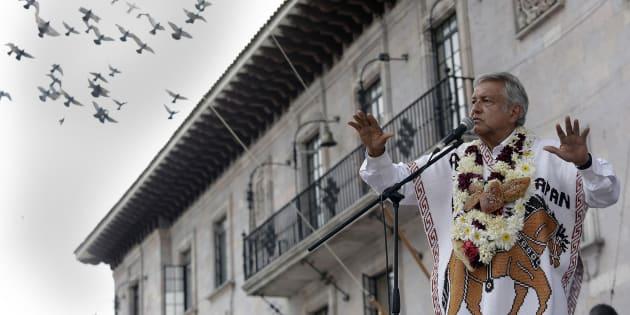 AMLO visitó el municipio de Teziutlán en Puebla, donde se reunió con miles de simpatizantes que abarrotaron la plaza pública y hasta la iglesia del lugar.