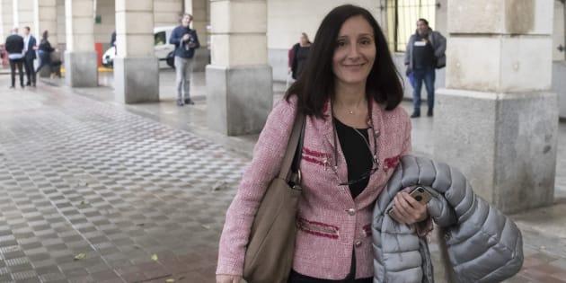 La juez María Núñez Bolaños, llegando a los juzgados sevillanos el pasado febrero.