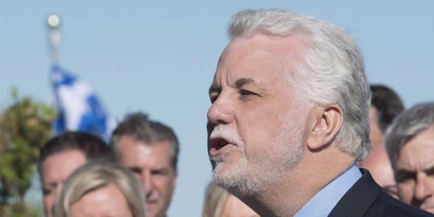 «Les gens ont des vies difficiles», a expliqué le premier ministre Philippe Couillard lors d'une récente entrevue au HuffPost Québec.