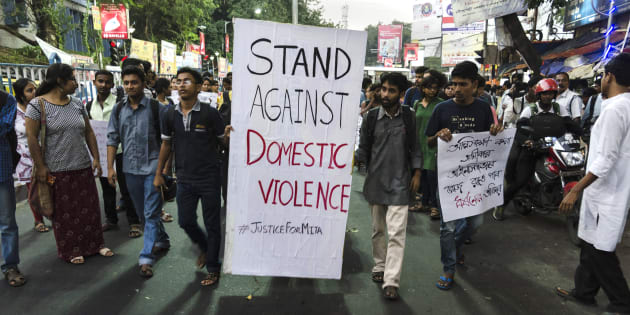 KOLKATA - 2016/10/17: A protest by the students of Jadavpur University against domestic violence on women in front of the main campus. A few days ago, Mita Mondal, an alumnus of the university, died allegedly due to domestic violence. (Photo by Debsuddha Banerjee/Pacific Press/LightRocket via Getty Images)