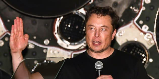 Tesla, Musk accusato di frode dalla Sec: il titolo affonda in Borsa