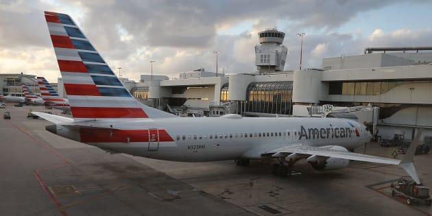Avant le crash d'Ethiopian Airlines, des pilotes américains avaient témoigné d'incidents avec des Boeing 737 MAX 8 (Image d'illustration : un Boeing 737 Max 8 d'American Airlines cloué au sol à Miami).