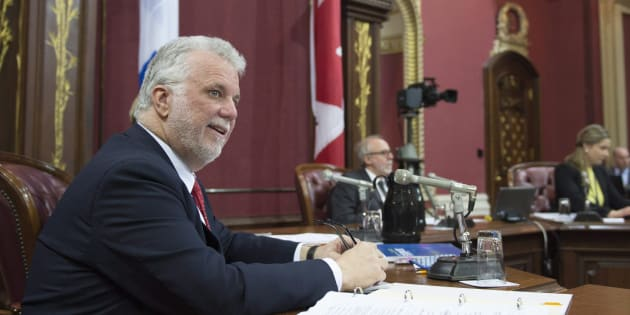Le premier ministre Philippe Couillard lors de l'étude des crédits budgétaires à la Commission des institutions.
