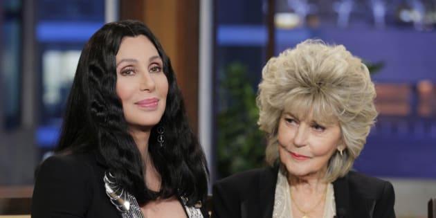 Cher et sa maman Georgia Holt lors d'une interview en avril 2013.