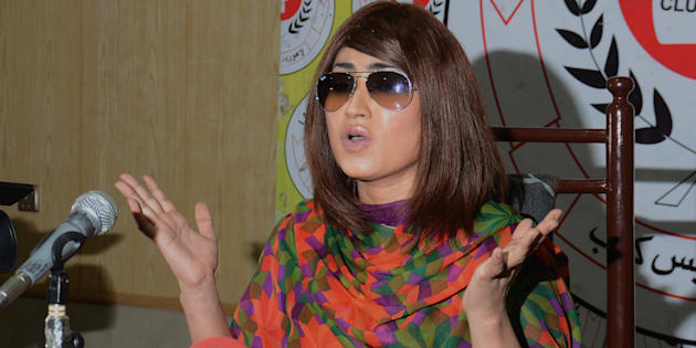 Pakistani renowned actress and model Qandeel Baloch addresses to media persons during press conference in Press Club.