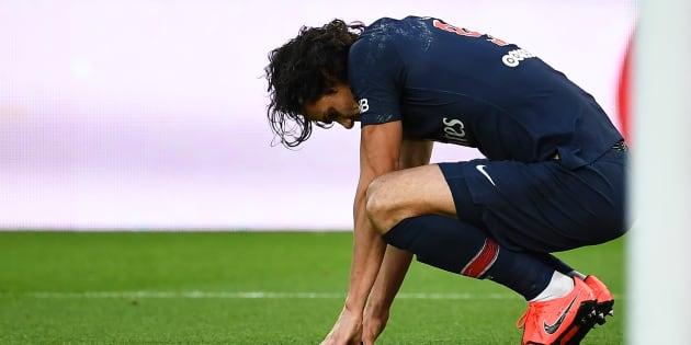 Edinson Cavani après sa blessure face à Bordeaux en Ligue 1, samedi 9 février.