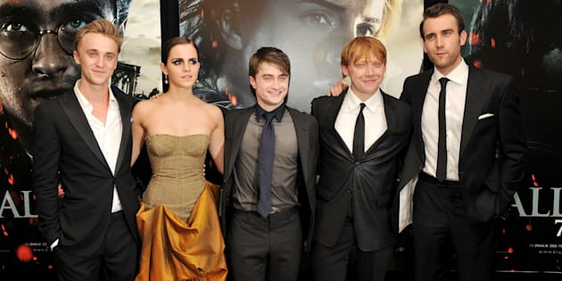 Tom Felton, Emma Watson, Daniel Radcliffe, Rupert Grint y Matthew Lewis durante la premiere de Harry Potter y Las Reliquias de la Muerte: Parte 2 en Nueva York, en julio de 2011.
