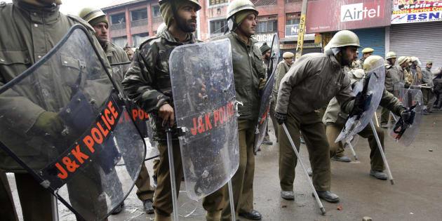 NIA Raids In Delhi, Kashmir to unearth terror funding In Valley