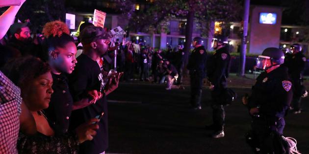 3月30日夜の抗議デモ