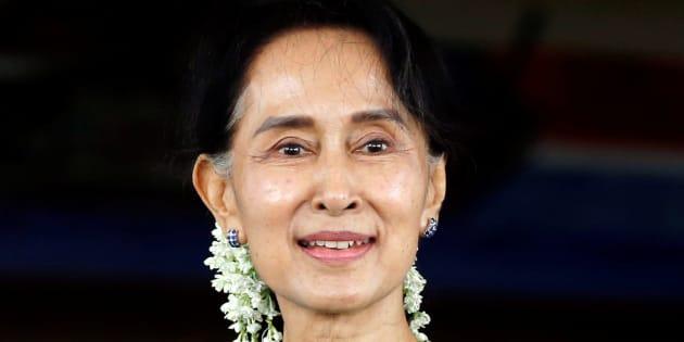 """En Birmanie, Aung San Suu Kyi dénonce la """"désinformation"""" dans la crise des Rohingyas"""