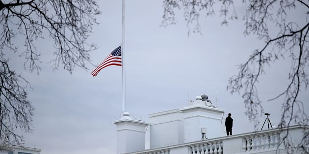WASHINGTON, DC - FEBRUARY 15:  The American flag above the White House is lowered to half staff following the shooting yesterday at Marjory Stoneman Douglas High School on February 15, 2018 in Washington, DC. U.S. President Donald Trump is expected to address the nation later today in response to the shooting in Parkland, Florida where 17 people died. (Photo by Win McNamee/Getty Images)