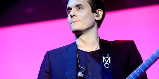 John Mayer na turnê 'The Search for Everything Tour 2017' no The Forum em 21 de Abril de 2017, em Inglewood, na Califórnia.