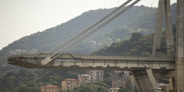 GENOVA, LIGURIA, ITALY - 2018/08/20: Detail view of the Ponte Morandi collapsed on August 14 in Genoa causing the death of 43 people. (Photo by Stefano Guidi/LightRocket via Getty Images)