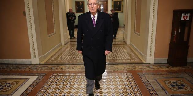 El líder de la mayoria en el Senado Mitch McConnel.